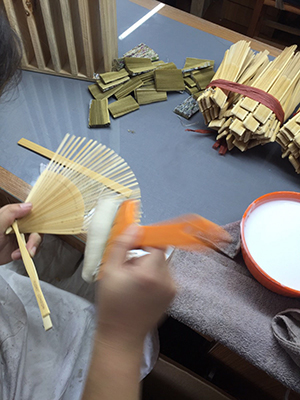 Folding Fans and Fan Stands: Japanese paper products from